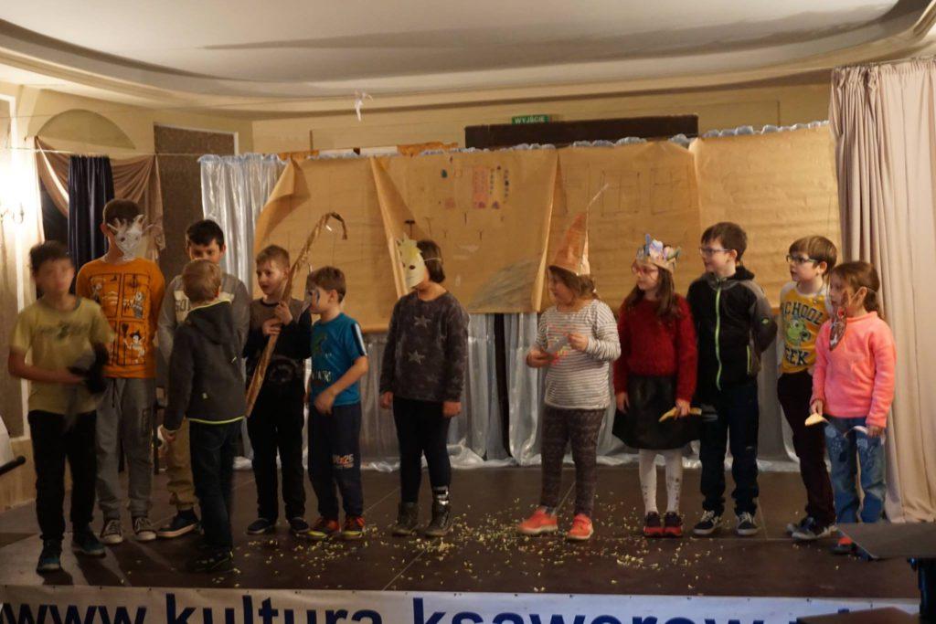 dzieci na scenie, sztuka teatralna