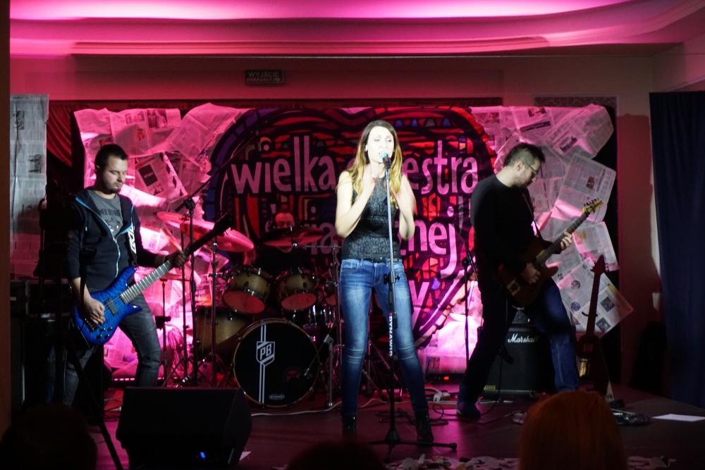 zespół na scenie