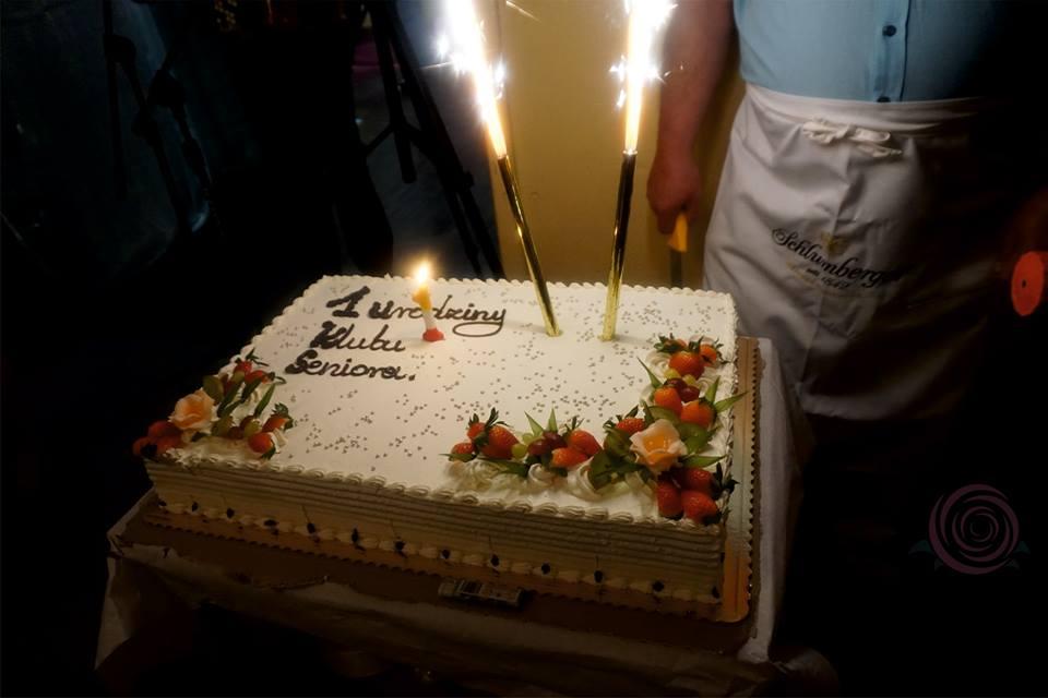 tort dla klubu seniora