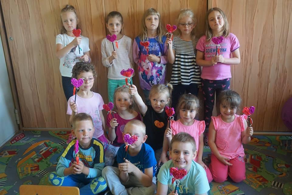 dzieci z serduszkami