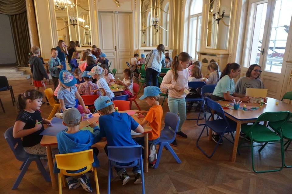 Makieta miasta dzieci tworzą