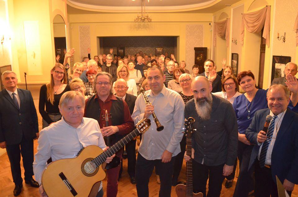 Zdjęcie Yankel Band z publicznością