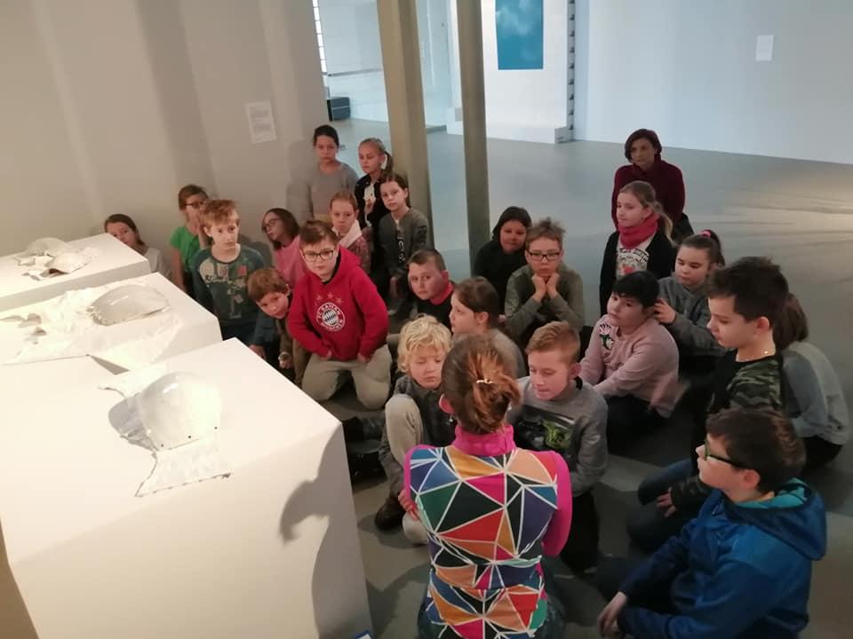 dzieci w Muzeum Włókiennictwa