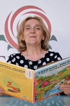 Elżbieta Świgulska czyta książkę