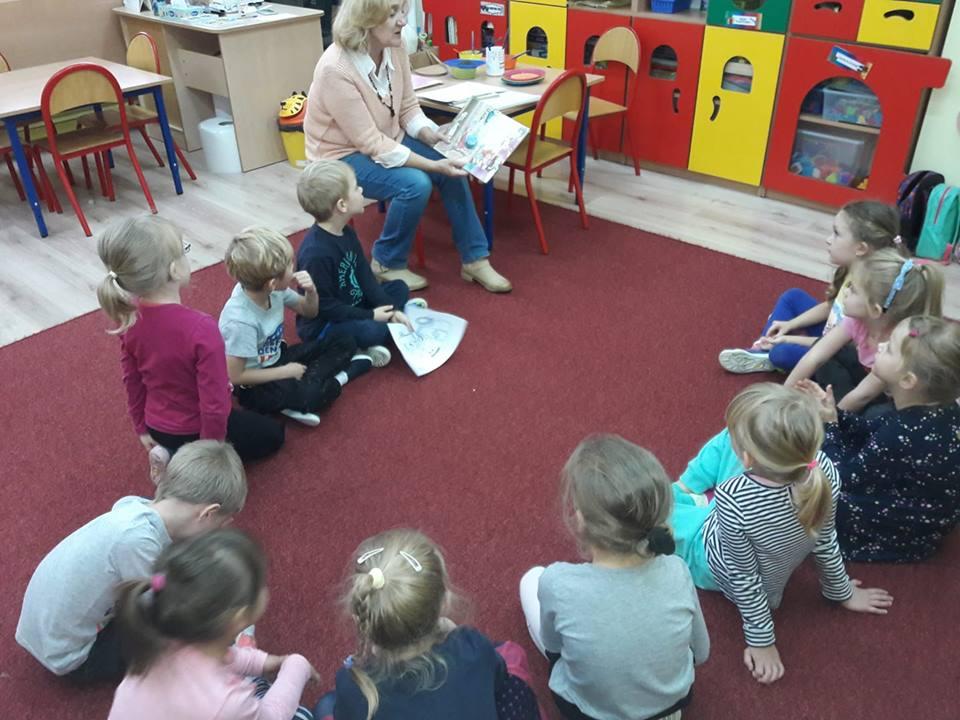 Dzieci z przedszkola na Woli