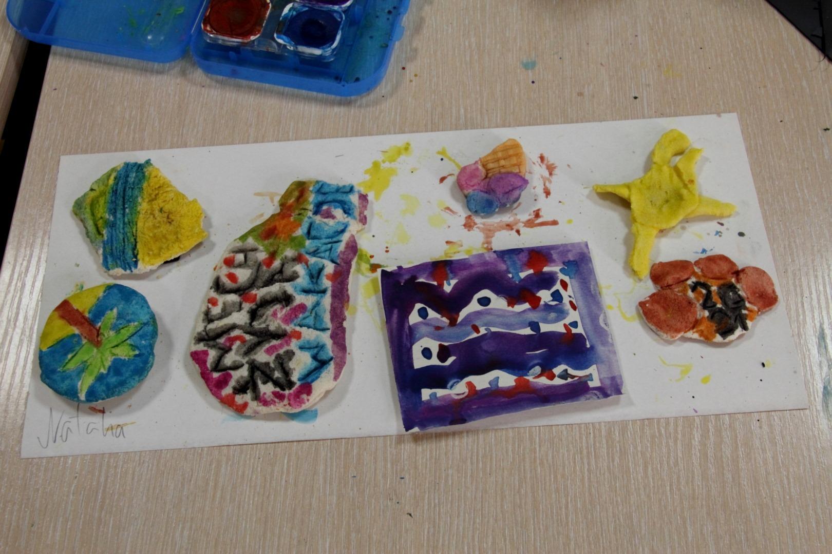 kolorowe magnesy z masy solnej